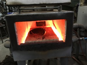 Knee lame in furnace