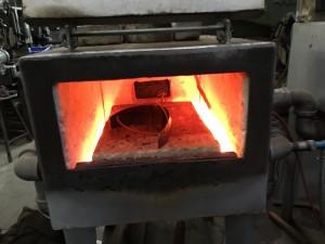Knee lame in furnace